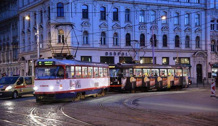 PŘEHLED: V polovině prosince se mění jízdní řády tramvají a autobusů