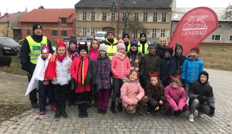 Děti ve Smržicích pomáhaly policistům s kontrolami