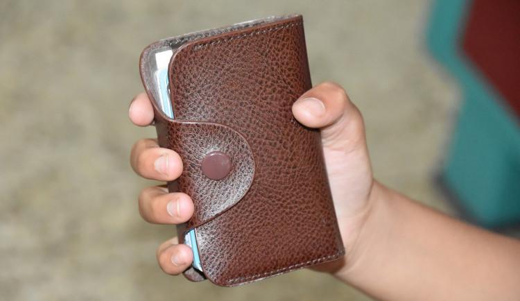 Na Přerovsku došlo k dalším krádežím peněženek. Ženy přišly o peníze i lístky na ples
