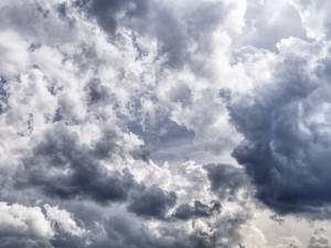 PŘEDPOVĚĎ NA ÚTERÝ: Bude oblačno do šesti stupňů Celsia