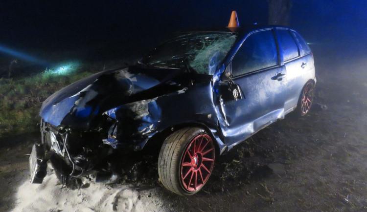 Žena dostala smyk a nabourala. Při ranní nehodě na Prostějovsku se zranili tři lidé
