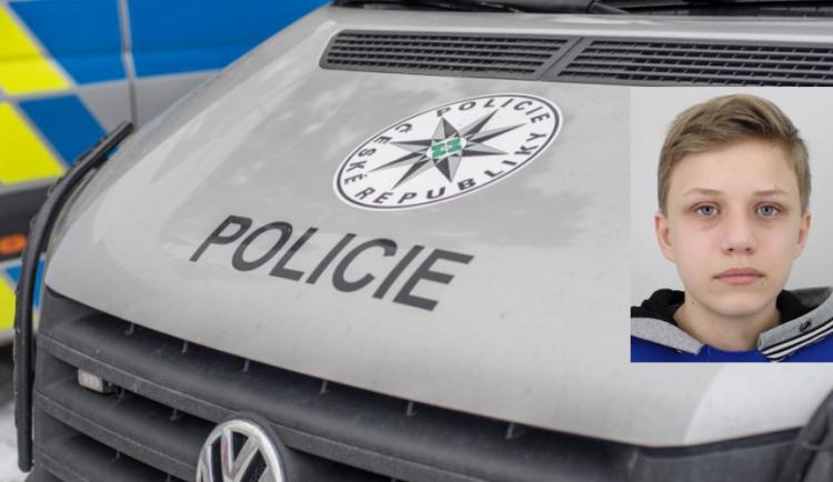 AKTUALIZOVÁNO: Policie vyhlásila pátrání po čtrnáctiletém Honzovi Kalábkovi, v pondělí odešel z domu