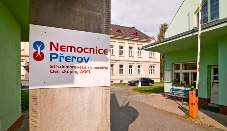 Lékařům a sestrám v Přerově, Prostějově a Šternberku nově usnadní práci elektronická dokumentace