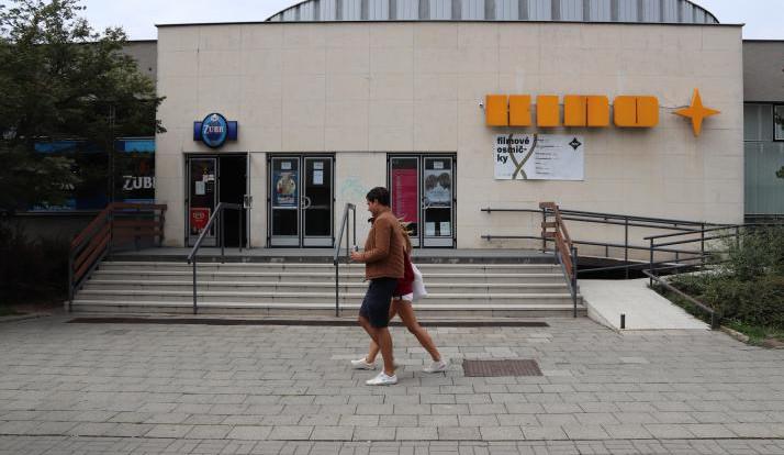 Kino Hvězda čeká na jaře oprava střechy. Promítání a provoz kina práce neomezí