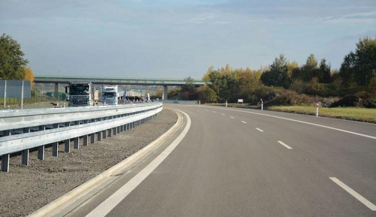 Kdy se začne stavět poslední úsek dálnice D1 do Říkovic zatím není jasné