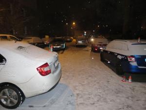 Řidič v Šumperku se snažil zaparkovat, naboural při tom čtyři auta