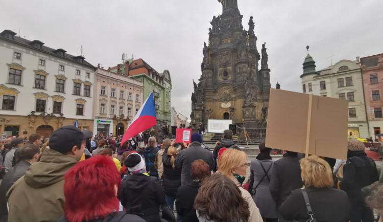 Proti Babišovi protestovala i města v Olomouckém kraji. Ve čtvrtek se bude demonstrovat také v Olomouci a dalších 12 krajských městech
