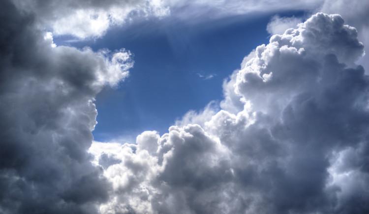Dnes bude zataženo, pouze místy mlhy, teploty dosáhnou až jedenácti stupňů