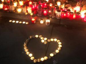 Olomouc posílá sto tisíc obětem a pozůstalým střelce v ostravské nemocnici