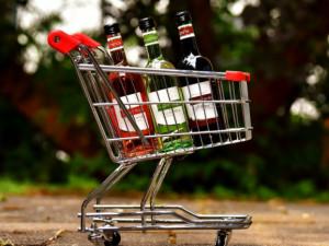 V supermarketech před koncem roku přibývá pokusů o krádež alkoholu