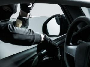 Během jednoho dne byla v Olomouci vykradena dvě osobní auta