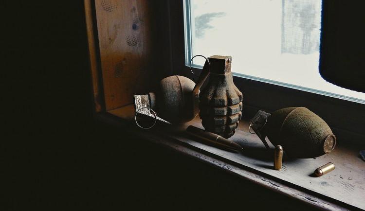 U Slavoňova byl nalezen dělostřelecký granát