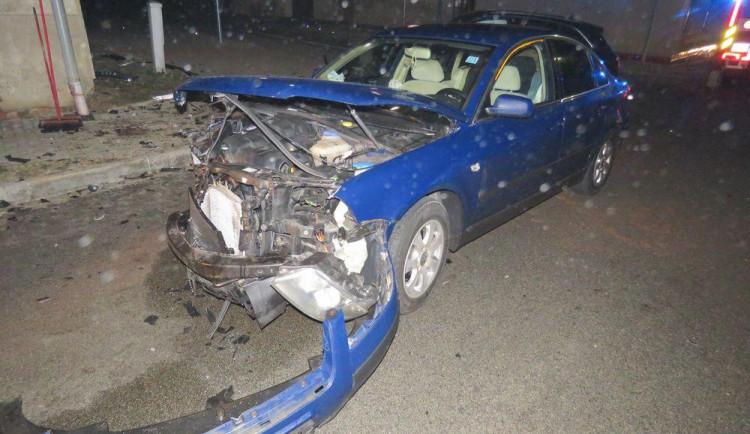 Ve Výšovicích se střetla dvě osobní auta. Nehoda se obešla bez zranění