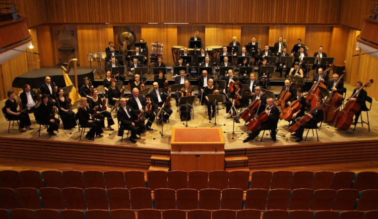 Moravská filharmonie Olomouc chystá na sobotu Novoroční koncert