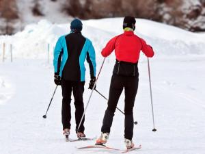 S oteplením přišel déšť. V Jeseníkách se nadále lyžuje, běžkaři musí výš do hor