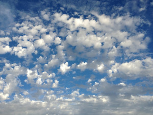 POČASÍ NA PÁTEK: Bude polojasno, od jihozápadu bude proudit teplý vzduch