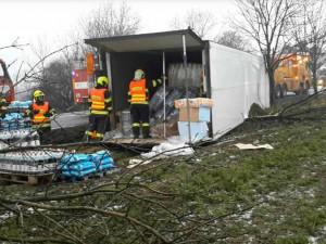 AKTUALIZOVÁNO: Silnice I/35 je po nehodě kamionu již zprůjezdněna