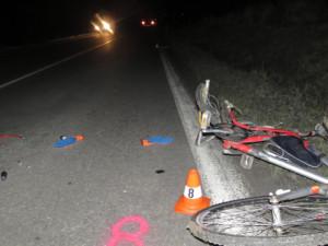 FOTO: Řidič na Přerovsku přehlédl cyklistu. Ten náraz nepřežil