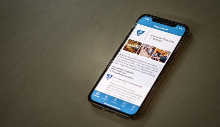 Nová aplikace Studuj na UP pomůže uchazečům o studium při dnech otevřených dveří Univerzity Palackého