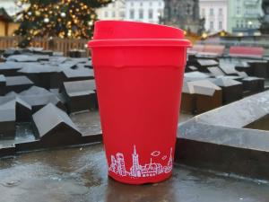 FOTO: Vratné kelímky v Olomouci bude nově zdobit dominanta města