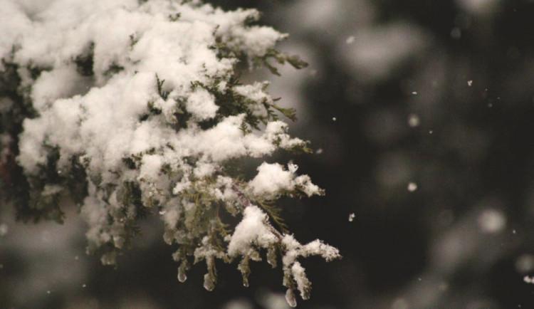 POČASÍ NA SOBOTU: Oblačno, déšť se sněhem a teploty mírně nad nulou