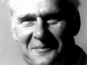 Připomínáme 100. výročí narození sochaře Josefa Stárka - autora sousoší na Teoretických ústavech LF UP