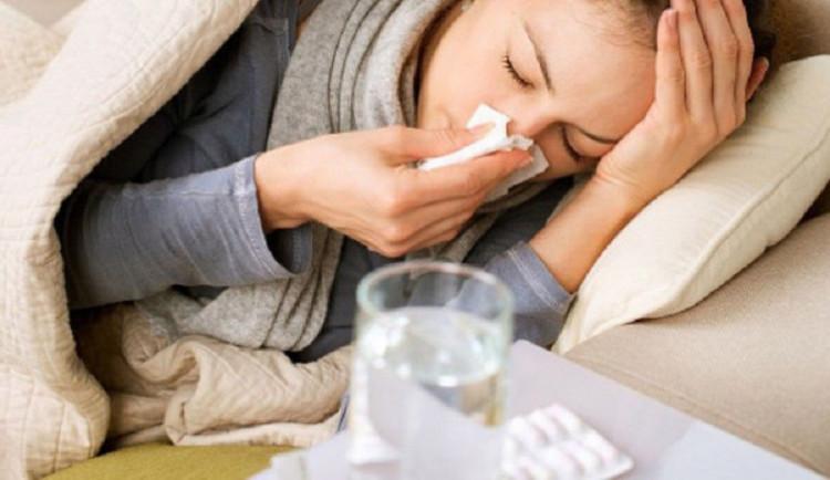 Nemocných v kraji přibývá, nekritičtější je situace na Jesenicku. Nejvíce chřipky je mezi dětmi