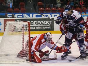 Olomouc si doma neporadila s Vítkovicemi, z duelu si odnesla pouze bod