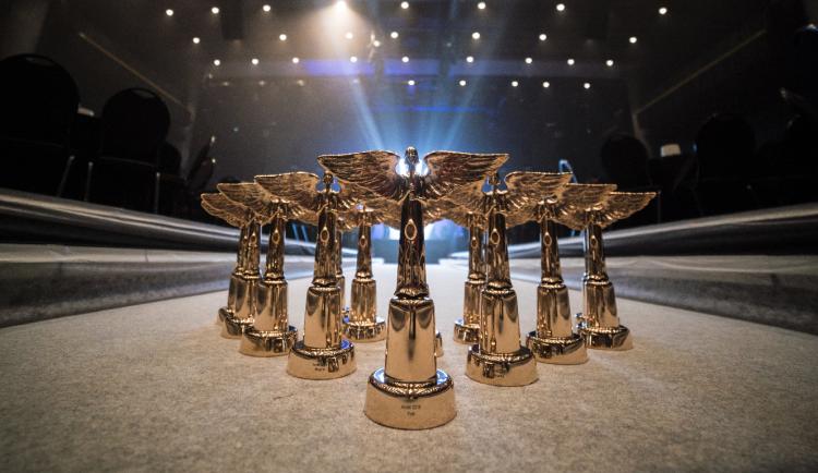 PŘEHLED: Nominace na letošní ceny Anděl jsou známy, podívejte se, kdo bude bojovat o sošky