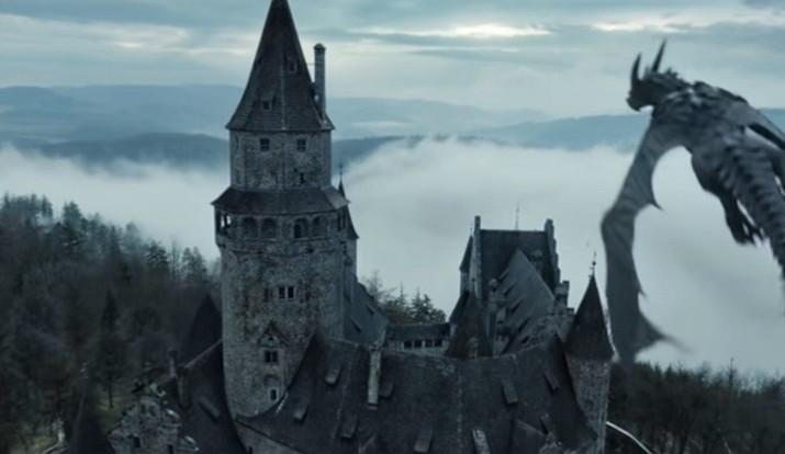 Hrad Bouzov je celosvětově známý. Zahrál si v reklamě od Amazonu