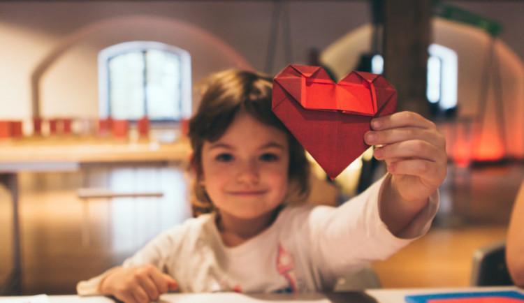 Pevnost poznání zve na akci Láska je věda. Nabídne interaktivní aktivity nebo pozorování noční oblohy
