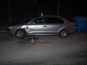 Hned dva řidiči vinou neopatrných jízd poškodili zaparkovaná vozidla, oba z místa odjeli