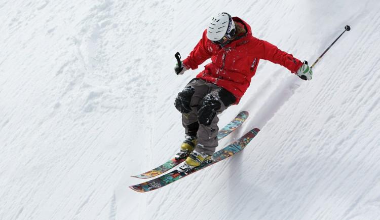Do Jeseníků přijelo o víkendu tisíce lyžařů