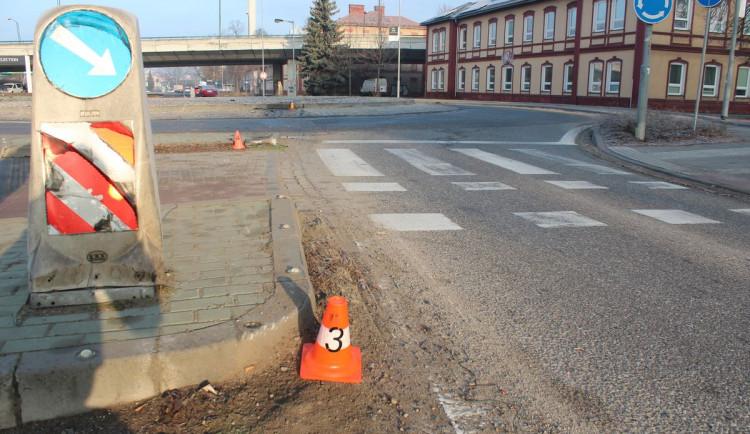Opilý muž bez řidičského průkazu naboural v Olomouci cizím autem
