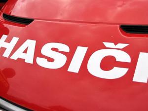 Řidička nepřežila střet s hasičskou cisternou spěchající k zásahu