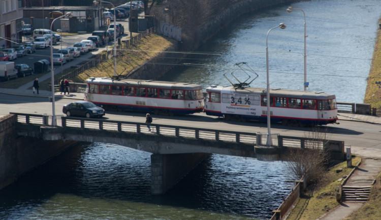 PŘEHLED: Uzavírka mostu na Masarykově třídě se blíží. Jaké změny čekají Olomoučany?