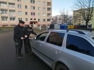 Na olomouckých sídlištích proběhla preventivní akce kontrolující zaparkovaná auta