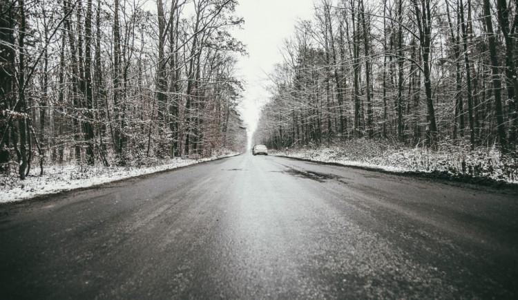 Řidiči pozor, cesty mohou být dnes ráno namrzlé