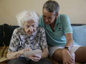 Na olomouckém nádraží bude viset cyklus fotografií dokumentující paliativní péči