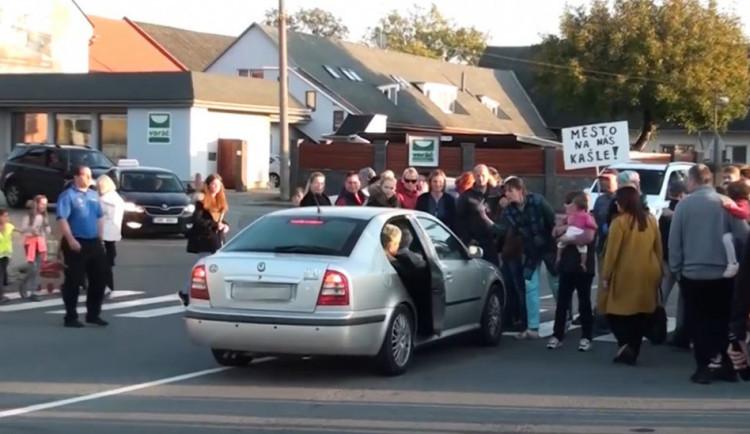 V Droždíně v místě nebezpečné křižovatky vystaví kruháč, loni zde náklaďák srazil školačku