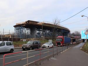 Začátkem března se pod železniční tratí začne budovat tubus pro cyklisty