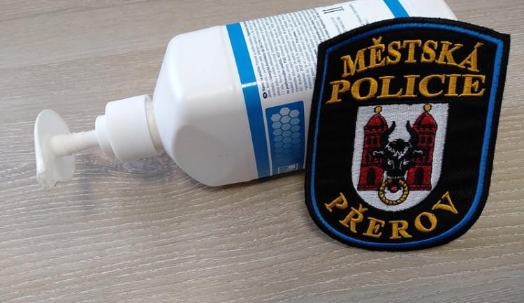 Městská policie Přerov má problém sehnat dezinfekci. Na vině je panika z koronaviru