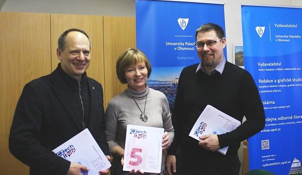 Pětidílnou sérii učebnic češtiny pro cizince z Univerzity Palackého testují cizinci