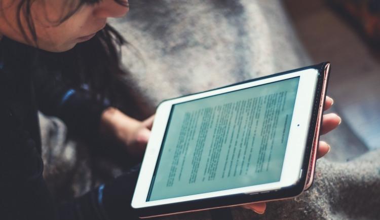 Studenti semestr v Číně pravděpodobně dokončí online. Olomoucká UP je na tento systém výuky připravena, říká Kučera