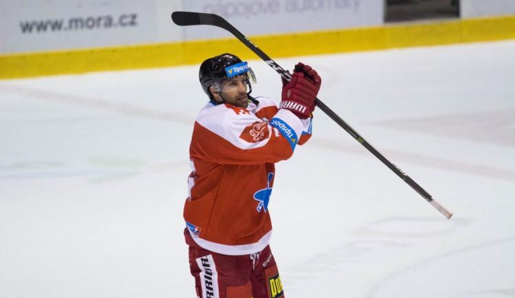 Olomoučtí hokejisté prohráli na Spartě po nájezdech, v předkole vyzvou Zlín