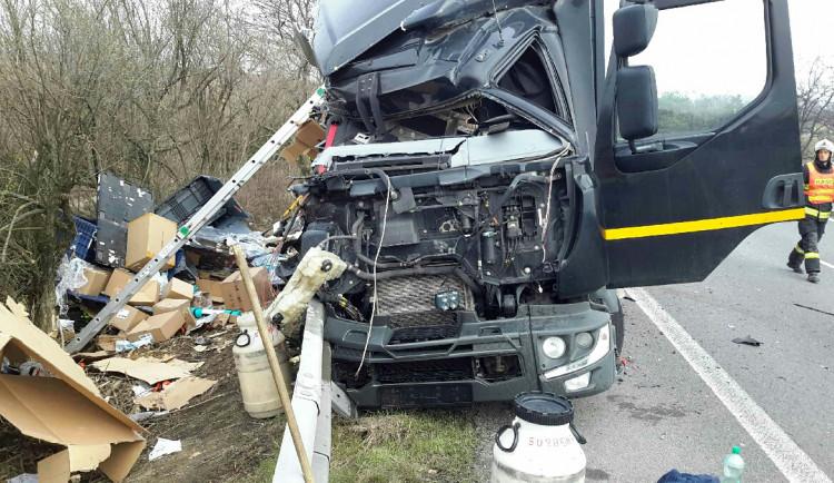AKTUALIZOVÁNO: Dálnice D46 u Prostějova, kterou uzavřela nehoda dvou kamionů, je plně průjezdná
