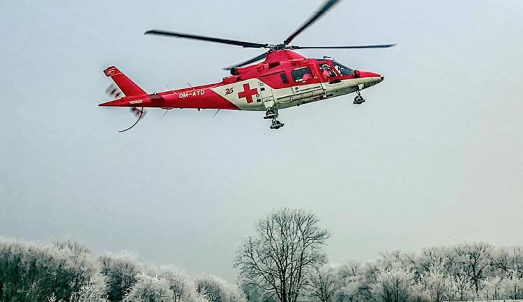 Při dopravní nehodě zasahoval vrtulník záchranné služby