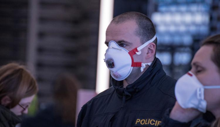 V Olomouckém kraji je šest nakažených policistů, další stovka je v karanténě
