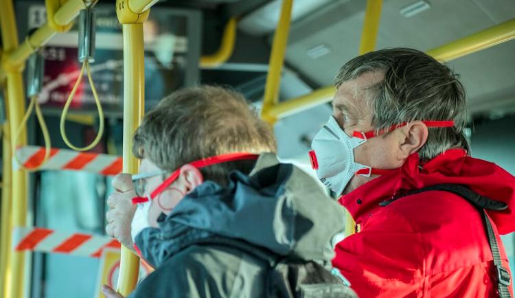 V obcích na Jesenicku se bojí nákazy, čelí náporu chatařů a výletníků
