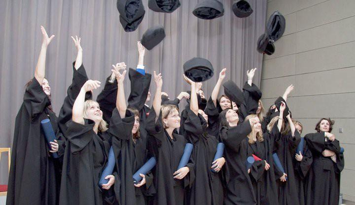 Univerzita se od pondělí otevře pro studenty nejvyšších ročníků